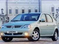 Фотографии автомобильных ковриков для Renault Logan